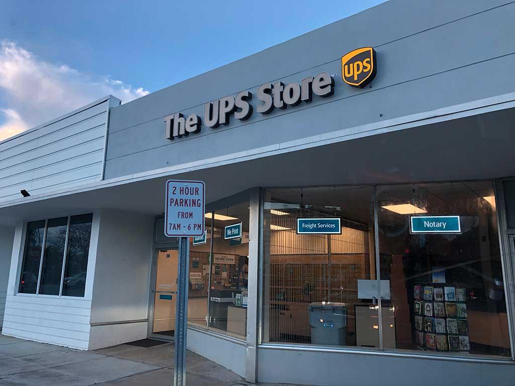 UPS Store Miami Springs