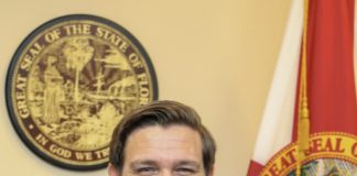 Governor Ron DeSantisa