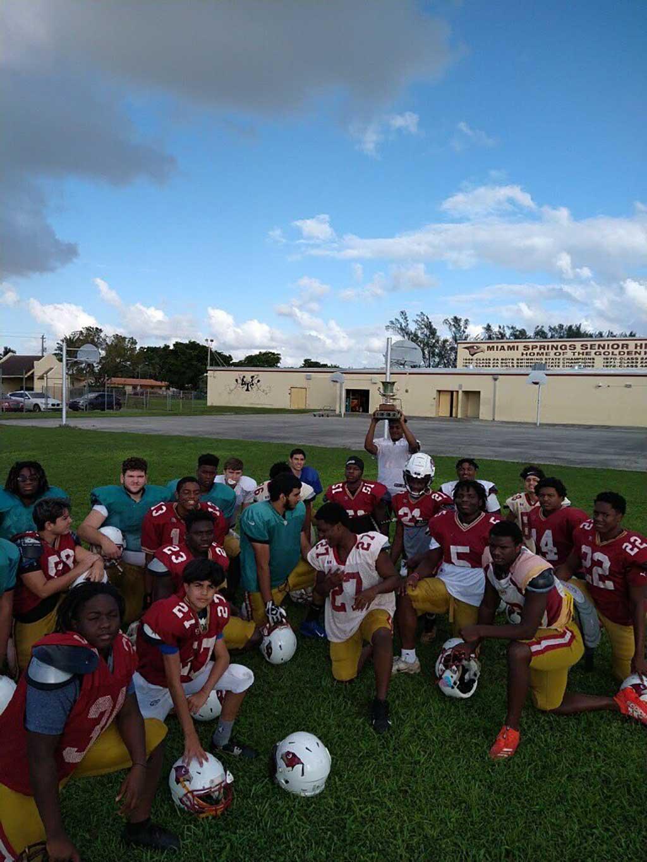 MSSH Golden Hawks Football Team (Photo Courtesy @mssh_hawks Twitter)