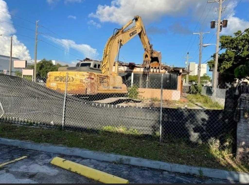 Airport Diner Demolition (Photo Courtesy City of Miami Springs Social Media)